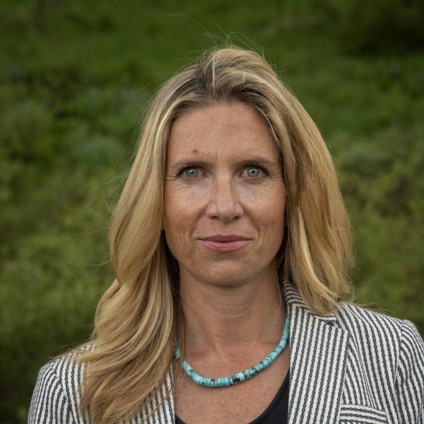 Nell Wareham profile image
